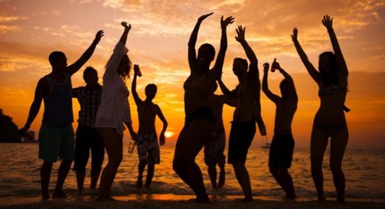 Serata per festeggiare l'estate e l'amore forever