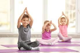 Arriva lo yoga a scuola: diventa un insegnante di Hata Yoga e amplia la tua professionalità!